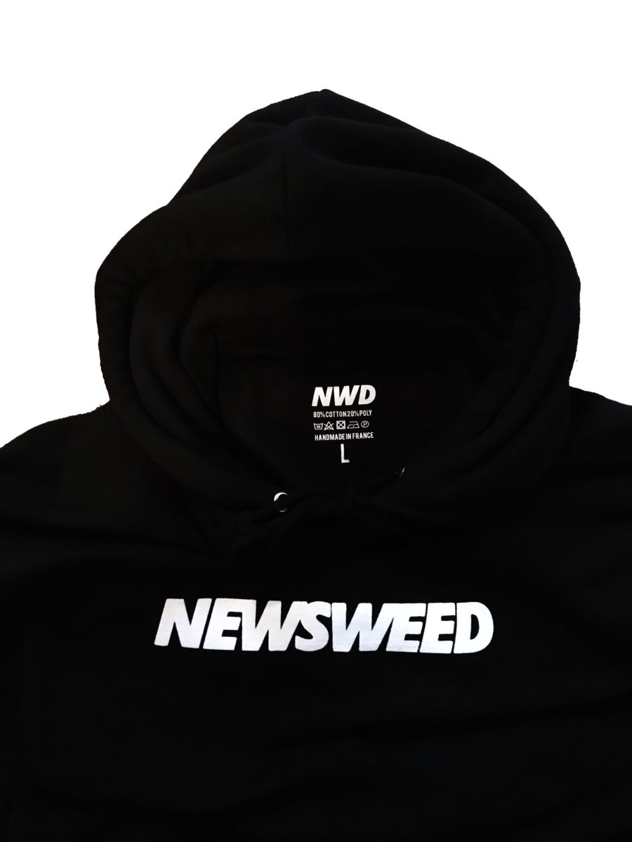 Détail du Hoodie Newsweed